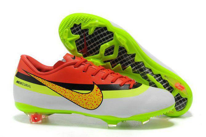 Photo   Les Nouvelles Chaussures De Cristiano Ronaldo