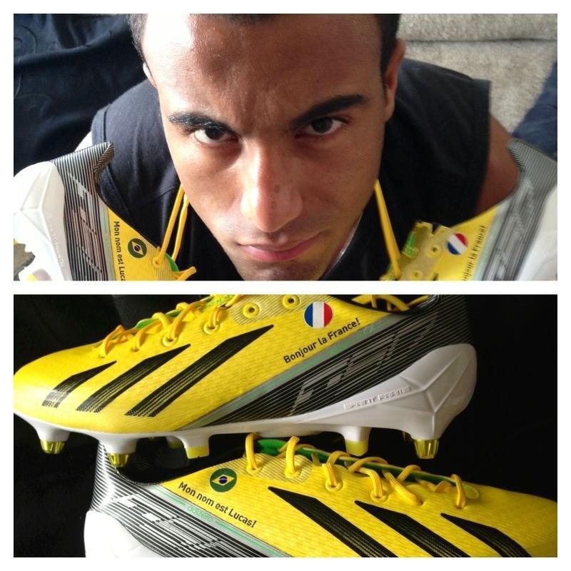 Lucas Moura Fifa: PSG : Photo Des Chaussures De Lucas Moura Dédiées à La France