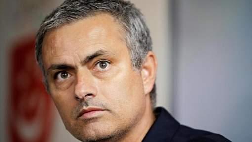 foot mercato mourinho insulte une supportrice du barca football sports le meilleur en vid o. Black Bedroom Furniture Sets. Home Design Ideas