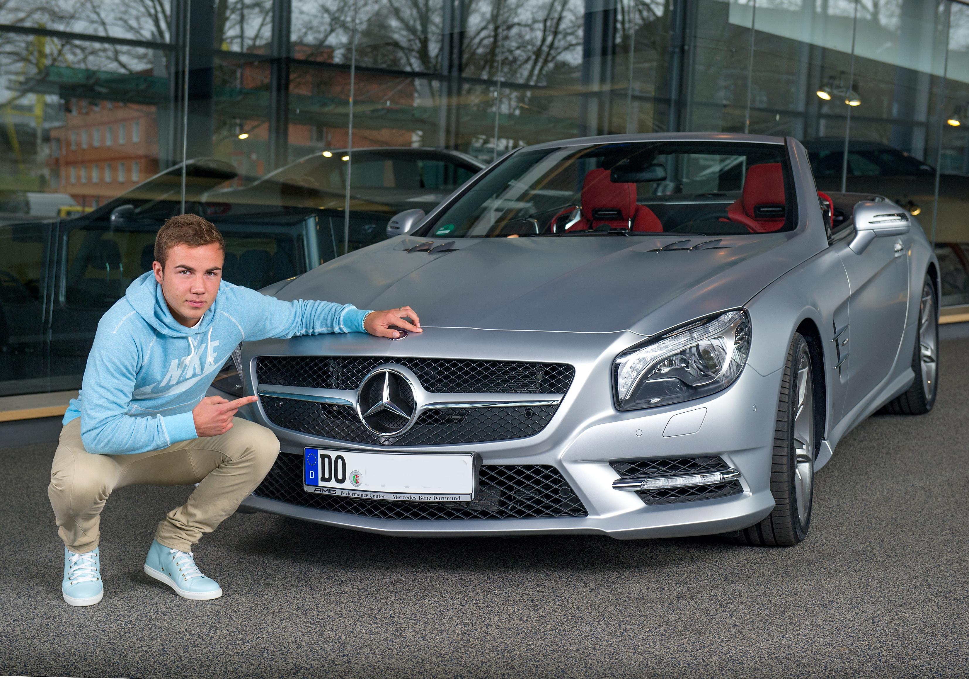 Fussball Mario Goetze Bekommt Mercedes Benz Sl 500