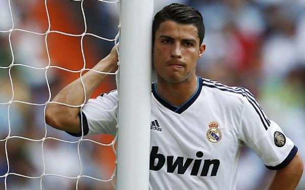 Cristiano ronaldo real madrid psg triste transfert contrat 600x374