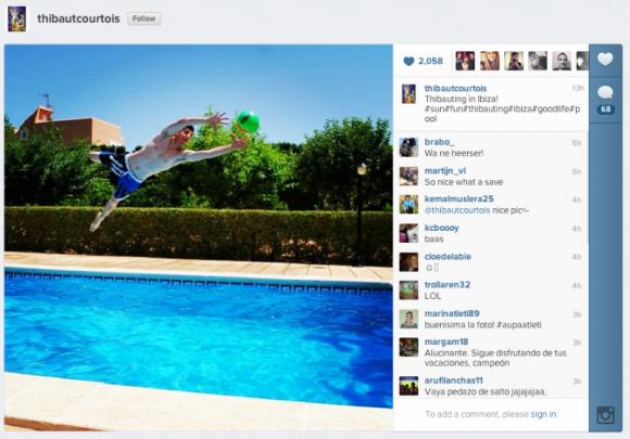 Photo de thibaut courtois dans sa piscine instagram for Apprendre a plonger dans une piscine
