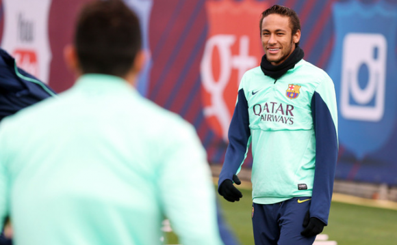 Coupe de cheveux neymar jr for Neymar 2014 coupe de cheveux