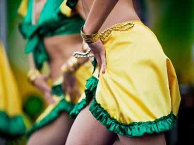 Supportrice danse Brésil Coupe du Monde 2014