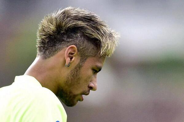 Nouvelles coupes de cheveux de Neymar et Dani Alves