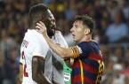 coup de boule de Lionel Messi à Mapou Yanga-Mbiwa