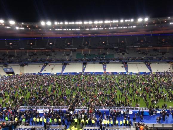 Foule sur la pelouse du stade de France #panique